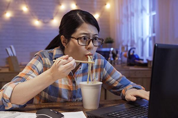 """宵夜如何吃才健康?5道美味""""深夜食堂"""""""