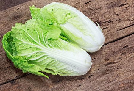 大白菜熱量低,還有豐富的抗氧化物,有助防癌、解毒。(Shutterstock)