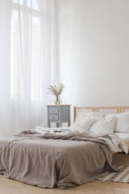 卧房, 卧室, 宽敞, 铁床, 窗户, 窗帘