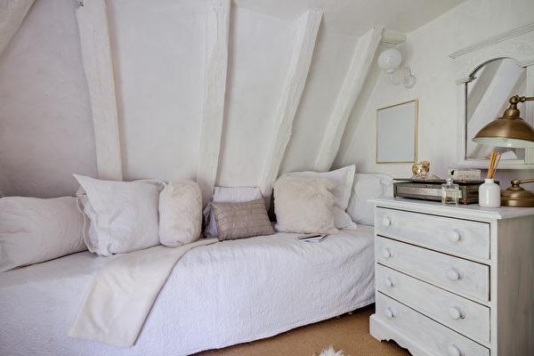 卧房, 卧室, 宽敞, 铁床, 窗户, 窗帘, 颜色