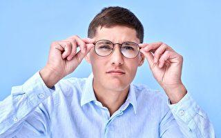 近视度数突然骤增 恐是药物过敏引发
