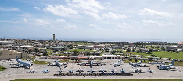"""2020年2月12日,美国、澳大利亚和日本在关岛安德森空军基地展开""""应对北方""""(Cope North)演习。演习从2月12日持续到28日。(美国空军)"""