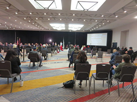 週一(11月30日)在亞利桑那州,美國現任總統川普的律師團隊,以及多名共和黨議員召開了一場選舉誠信聽證會。