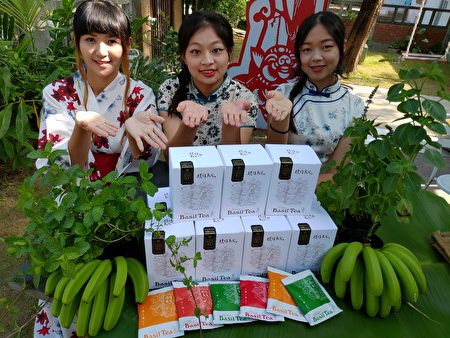 屏东是全台圣萝勒最大产地,种植面积或者产值皆占八成以上,源自日本、最受欢迎的圣萝勒茶,口感舒爽、解油腻。