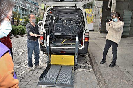 復康巴士具備輪椅上下裝備