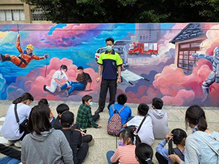 为提供更佳的参观服务,新竹市消防局积极向文化部争取1千万经费更新常设展场,希望让过去以文物展示为主的消防博物馆,转型为富有互动教育意义的防灾教育场馆。