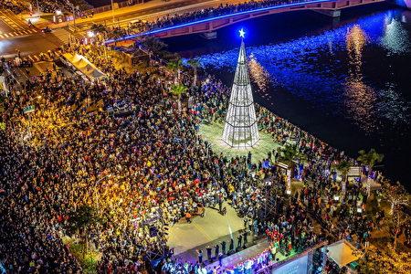「純白耶誕樹」裝置點燈晚會盛況。