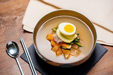 「水冷麵」特製湯頭具獨特風味。