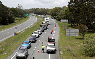昆州关闭边界设置检查站 导致交通延误加剧