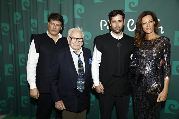 時裝大師皮爾‧卡丹去世 享年98歲