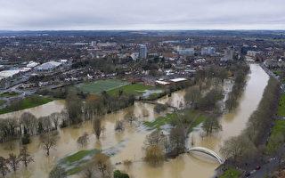 組圖:暴風雨侵襲 英國貝德福德遭遇洪水
