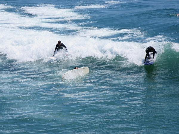 漏油事件或促杭廷頓海灘關閉數月