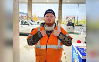 善意聊天 使陌生顾客送加油站服务员一汽车