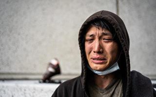 华裔男流落街头 好心人驱车三千公里送他回家