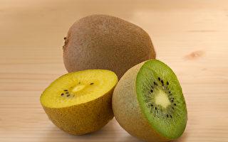黄色奇异果防癌、绿色抗便秘 1招催熟变软甜