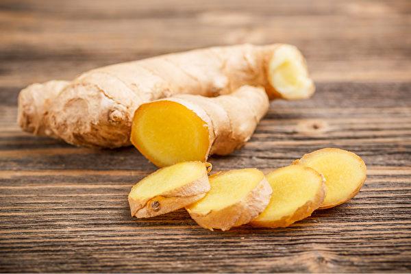 生姜要确实蒸熟,才能加强暖胃温肠的功效。(Shutterstock)