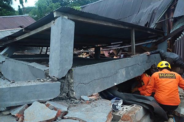 印尼发生6.2级强震 至少35死数百人受伤