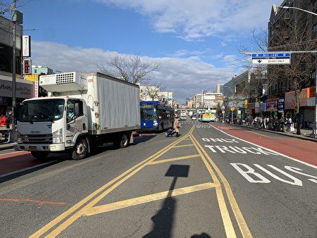 緬街上基本只有公交車、貨車行駛。