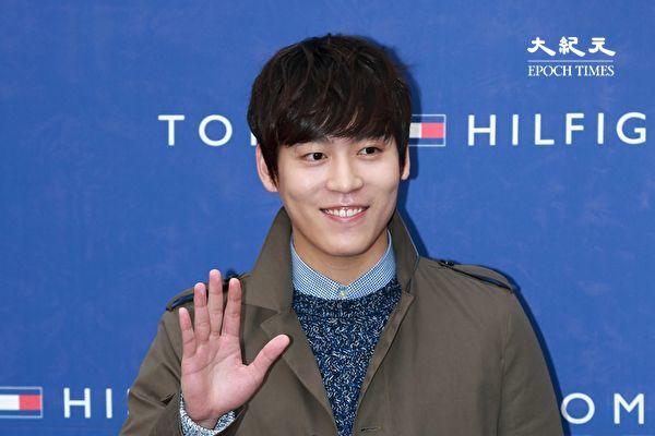 韓國歌手John Park確診染疫 入院隔離中
