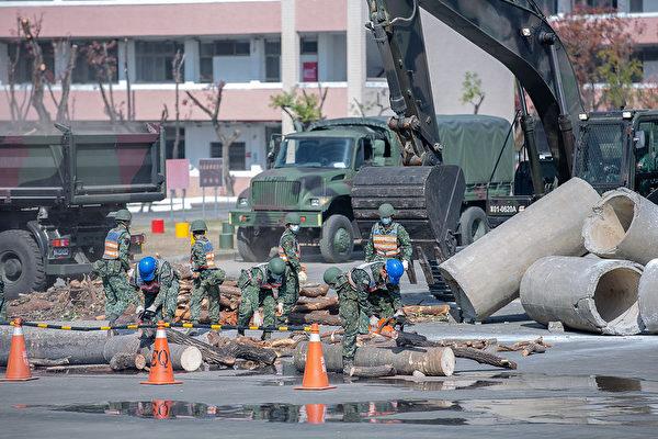 蔡英文視導視導南部駐軍:給予國軍最大支持