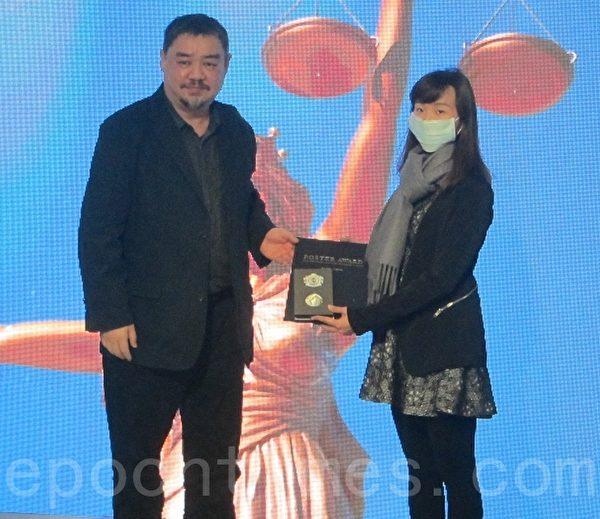 制止中共活摘海報徵選頒獎 70國上千作品參賽
