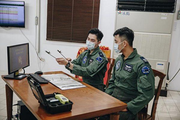 共機頻擾台 國軍關鍵武器萬劍彈掛載首曝光