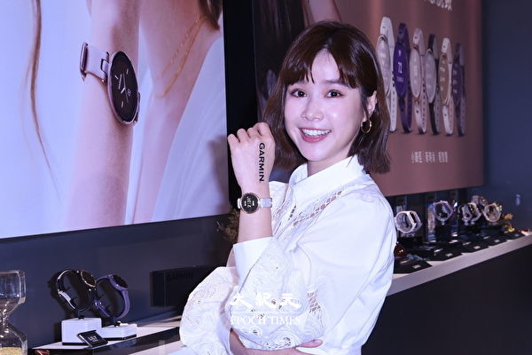 李佳颖与男友感情稳定 透露婚期最好选节日