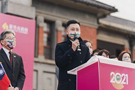 新竹市长林智坚期许崭新的一年能国泰民安、风调雨顺,2021平安好年。