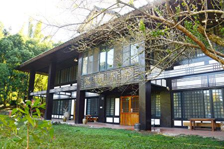 日式建筑庄园,从里到外呈现的是优雅氛围的日式庭园风格。
