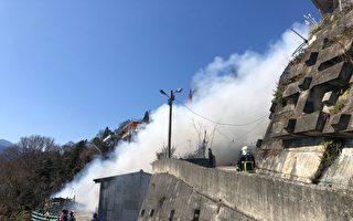 山區民宅火警  大溪警現場管制警戒協助救災