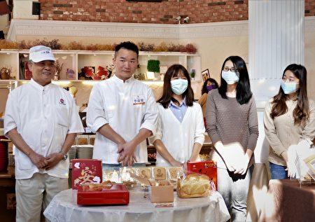 """行销全球七十年的""""小林煎饼"""",在第二代传人李文华的带领下组成实力坚强的工作团队。"""