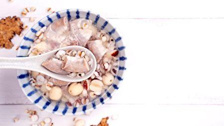 """""""四神汤""""是一个对于全体质包含孕妇都适合的平补炖汤。"""