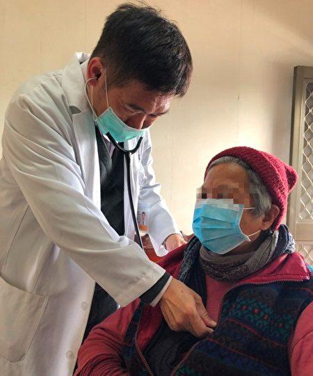 大千居家医疗服务就是把医师送到家,协助失能病人接受医疗照护。