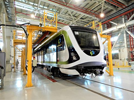 18列車、36支新軸心已分兩批運抵北屯機廠,預計2月2日全數完成軸心組裝。