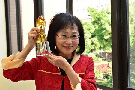 竹友混声合唱团指挥冯蕙珍。