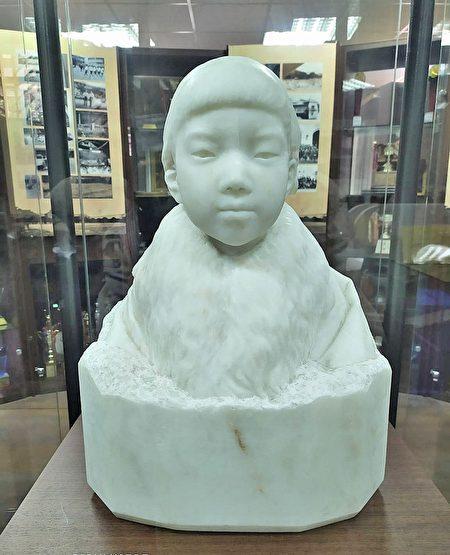 台灣雕塑之父,黃土水的百年作品大理石調像《少女》.jpg