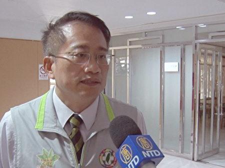 台南市议员蔡旺诠接受媒体采访。