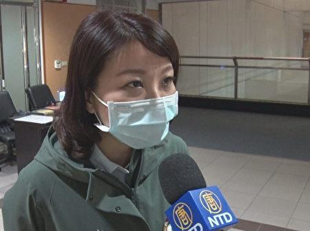 台南市议员蔡筱薇接受媒体采访。