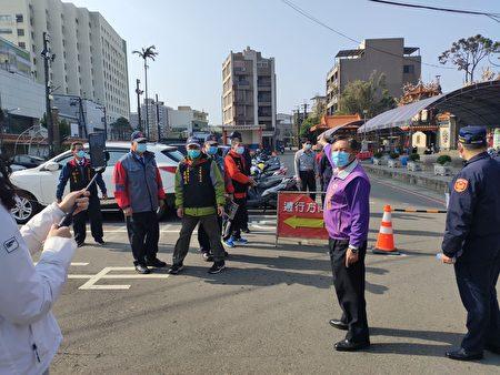 線上直播即時反饋,平鎮警維護春節期間交通安全。