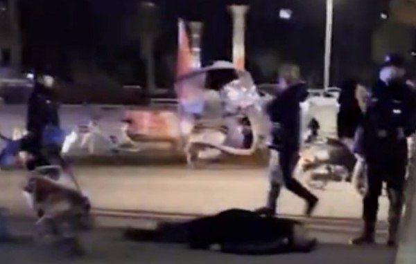 湖北一外賣員與保安衝突 遭警棍打頭慘死