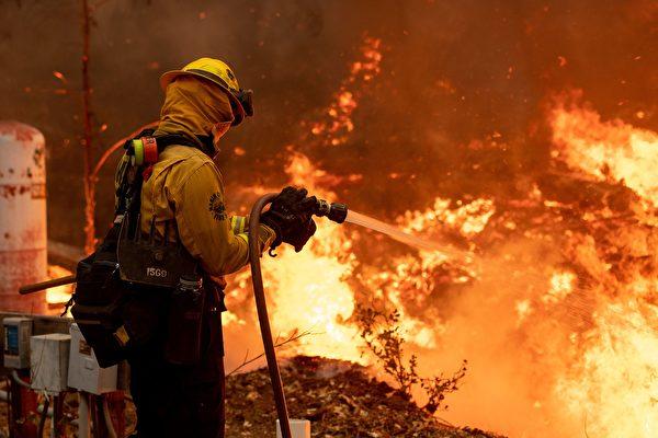 CZU雷電複合大火復燃 居民撤離引發恐慌