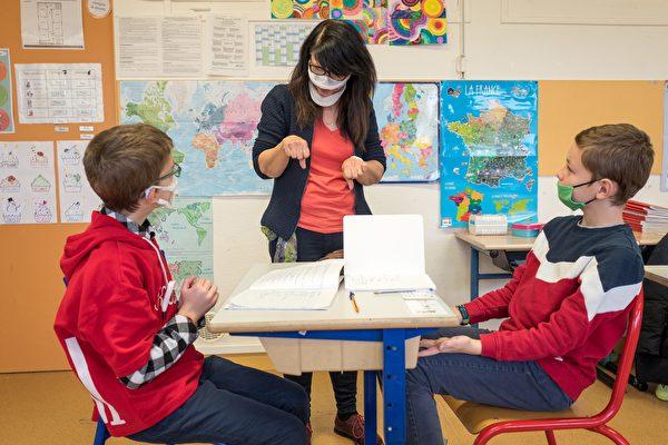 新澤西學校疫情期再免畢業考試 放寬教師評估