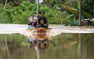 组图:马来西亚遭洪灾 超过2.8万人撤离