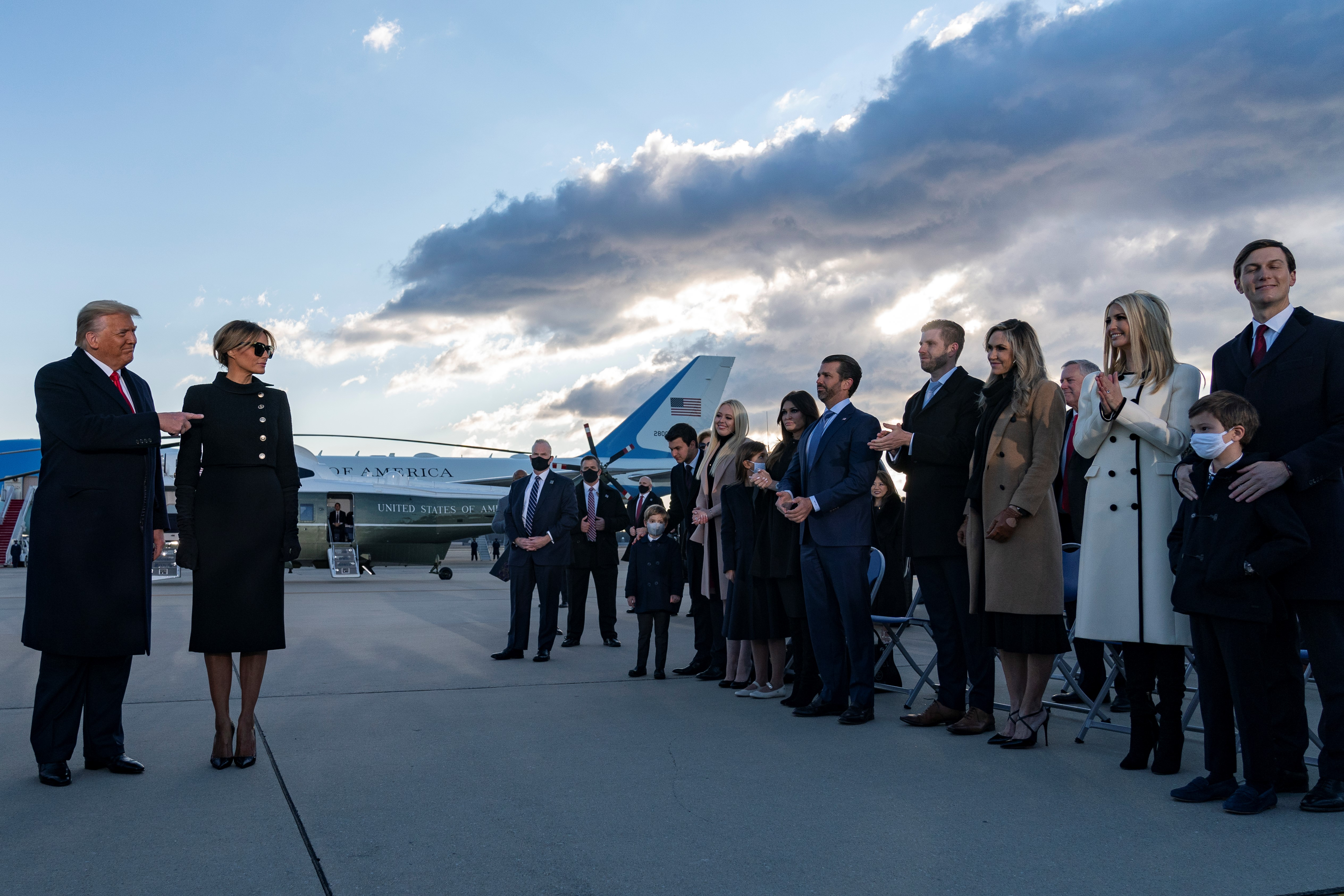 組圖:特朗普總統舉行離任儀式 向眾人致謝