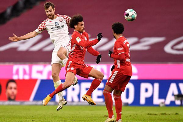 德甲第14轮:拜仁半场5球 主场逆转美因茨