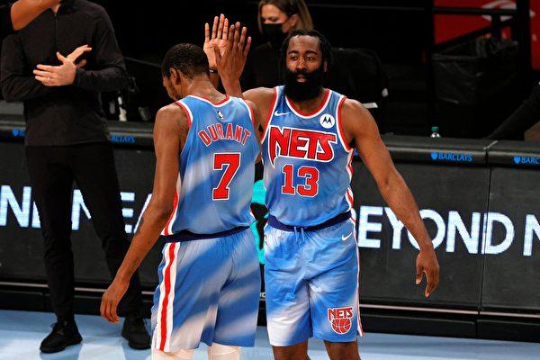 籃網組「三巨頭」成NBA奪冠熱門 哈登首秀