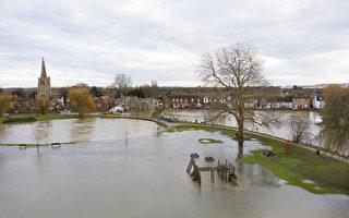 組圖:暴風雨侵襲 英格蘭多地遭遇洪水
