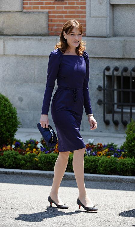 法国, Carla Bruni, 西班牙, 第一夫人, 小猫跟鞋, 连身裙, 蓝, 手拿包