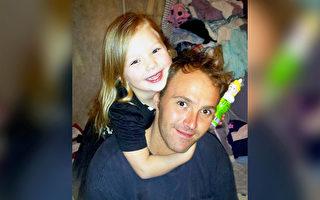 美国9岁女孩车祸后卖饼干 为父亲葬礼筹款