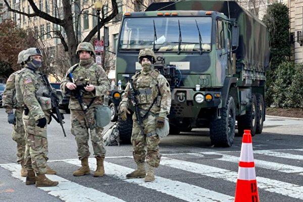 德州州长谴责国防部、FBI审查国民警卫队
